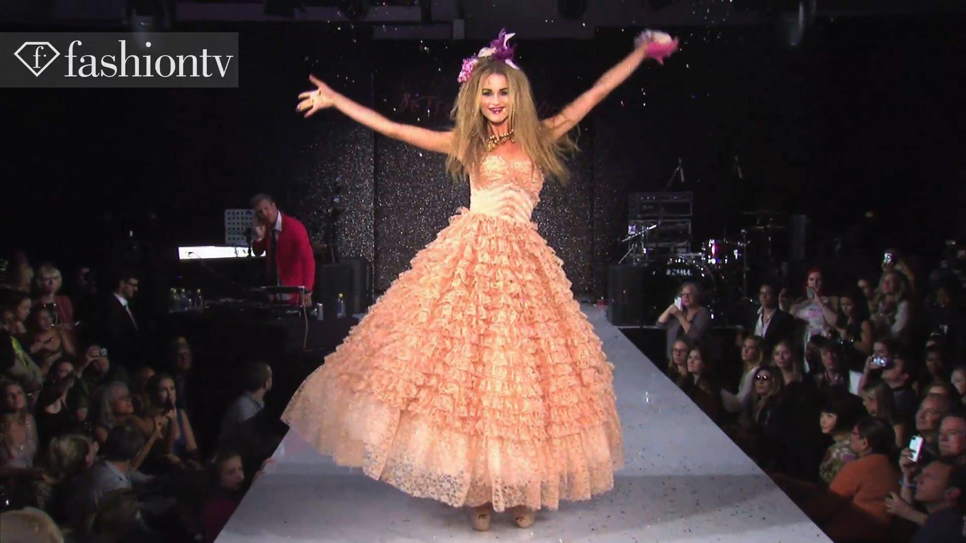 Betsey Johnson SpringSummer 2015 Collection – New York Fashion Week